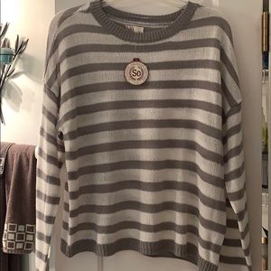 NWT SO grey and white thin sweater size Lg